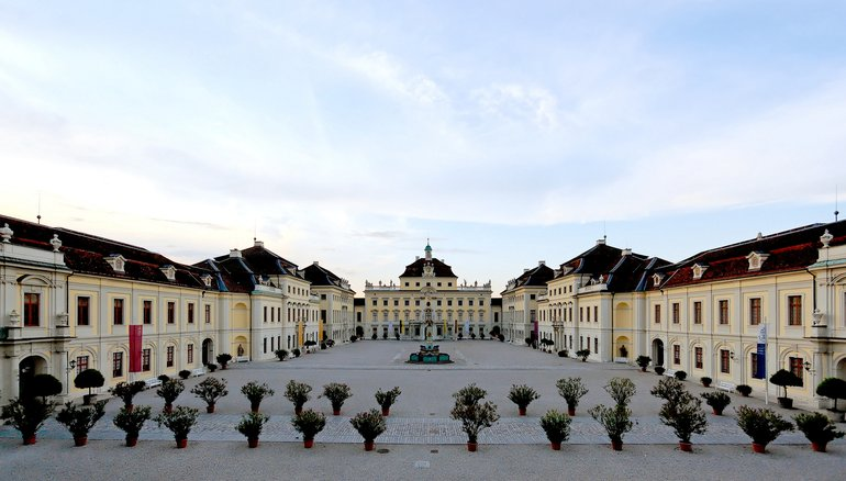 Residenzschloss Ludwigsburg, https://commons.wikimedia.org/w/index.php?curid=3817542