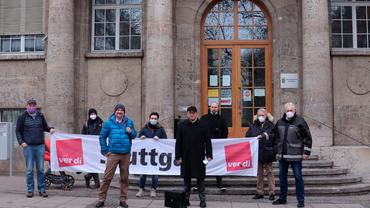 Soli-Bekundung  vor dem Gericht mit RA Melzer und Stuttgarter Betriebsräten.